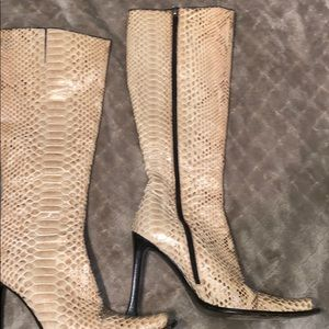 Real lizard  skin , I  purchase in Beverly Hills